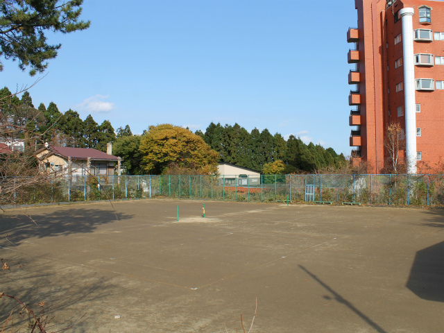 青柳市民庭球場